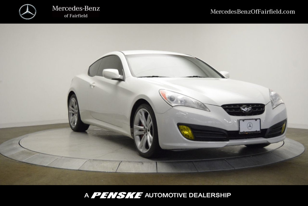 Pre-Owned 2012 Hyundai Genesis Coupe 2dr V6 3.8L Manual R-Spec